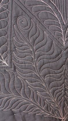 Great tutorial on quilting peacock feathers.