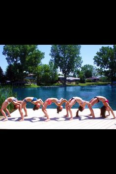Yoga with friends 👌🏼🙏🏼✌️ Cheer Pictures, Summer Pictures, Beach Pictures, Cool Pictures, Best Friend Photography, Dance Photography, Cheer Stunts, Cheerleading, Dance Moms