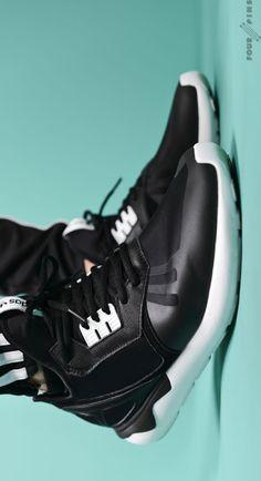 adidas Originals Tubular Runner: Black