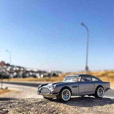 #astonmartin #astonmartindb5 #db5 #007 #007cars con #Montilla al fondo #hw #hotwheels #diecastcar #diecast #hotwheelscollector #hotwheelsdaily #hotwheelspics #hotwheelsrepost #hotwheelsspain #diecastcars #diecastpics #miniaturas #cochecito #cartoys #hwc #ajrhw #wheels #diecastphoto #diecastphotography
