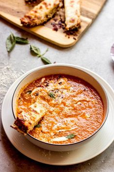 Ina Garten's Roasted Tomato Basil Soup - Little Broken - Ina Garten's roasted tomato basil soup. It's one of the best recipes out there. I Love Food, Good Food, Yummy Food, Vegetarian Recipes, Cooking Recipes, Healthy Recipes, Roasted Tomato Basil Soup, Roasted Tomatoes, Best Tomato Soup