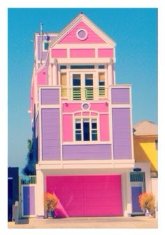 of Ruth Handler creator of Barbie in Santa Monica, L.House of Ruth Handler creator of Barbie in Santa Monica, L. Dreamhouse Barbie, Tout Rose, Barbie Dream House, Barbie Life, Bizarre, Pink Houses, Colorful Houses, Colourful Buildings, Crazy Houses