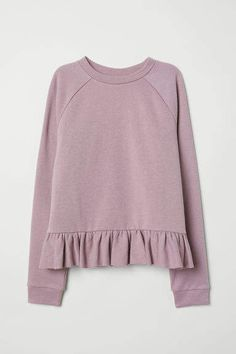 Soft sweatshirt with back section in woven embroidered fabric. Ribbed neckline long raglan sleeves with ribbing at cuffs yoke at back with flounce and seam at hem with flounce. Turtleneck Sweatshirt, Collared Sweatshirt, Womens Ripped Jeans, Blazers, Comfortable Fashion, Aesthetic Clothes, Pretty Outfits, Couture, Trendy Fashion