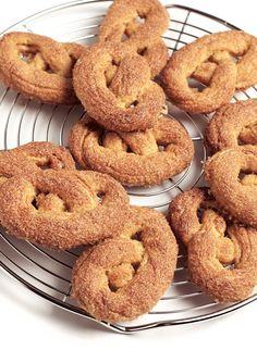 2 koekjes bij de koffie - Delicious.nl