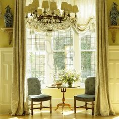 """Dallas designer Cathy Kincaid in London, originally featured in """"Southern Accents""""...  From...  http://theenchantedhome.blogspot.com/search?updated-max=2012-04-19T07:04:00-04:00=20=4=false"""