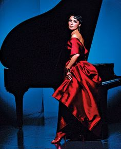 Netrebko with piano / Good gown color
