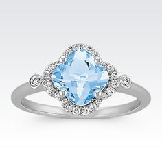Clover-Shaped Aquamarine and Round Diamond Ring