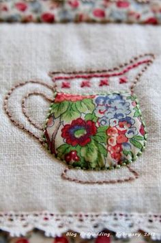 All about embroidery! Embroidery applique, cute embroidery, embroidered shirts, embroidering machine, embroidery clothes and more. Embroidery Applique, Cross Stitch Embroidery, Embroidery Patterns, Machine Embroidery, Fabric Art, Fabric Crafts, Sewing Crafts, Sewing Projects, Scrap Fabric