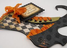 Witch shoe tutorial- Would a bad witch wear shoes this fabulous?!