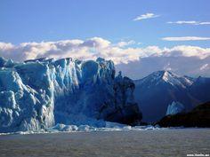 glacier moreno hits land, el calafete, patagonia, argentina