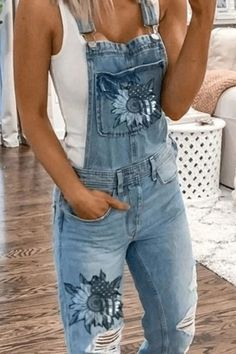 Casual Jumpsuit, Denim Jumpsuit, Floral Jumpsuit, Overalls, Tomboy Fashion, Fashion Outfits, Tomboy Stil, Denim Overall, Ted Baker