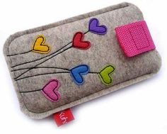 hearts and felt - two favorites Felt Diy, Felt Crafts, Fabric Crafts, Sewing Crafts, Sewing Tutorials, Sewing Projects, Sewing Patterns, Felt Phone Cases, Felt Case