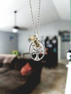 Another new JK Jewelry piece for Fall 2016! #MyThirtyOneGifts #FamilyRootsKeepsakeCharm #JKJewelry #DaintyRoloChain