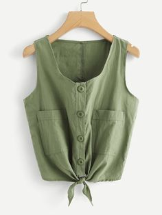 To find out about the Dual Pocket Front Knot Hem Top at SHEIN, part of our latest Tank Tops & Camis ready to shop online today! Casual Outfits, Cute Outfits, Fashion Outfits, Girl Fashion, Womens Fashion, Fashion Nova Plus Size, Cream T Shirts, Western Tops, Plus Size Kleidung