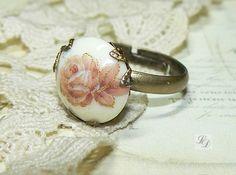 """Vintage Glass vintage style Antiqued Ring """"Pink Rose"""""""