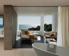 Family Beach House With a Striking Silhouette in California: Rockledge Residence
