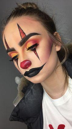 Circus Clown - Halloween Makeup 2017 Circus Clown - Halloween Makeup 2017 Circus Clown - Halloween M Creepy Halloween Makeup, Amazing Halloween Makeup, Pretty Halloween, Scary Makeup, Halloween Clown, Halloween 2018, Clown Costume Diy, Halloween Halloween, Jester Makeup