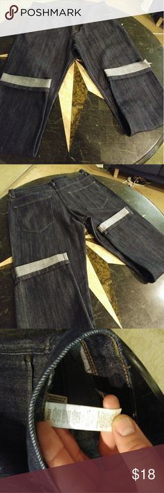 Mens Perry Ellis 33x32 jeans only worn once for about 2 hours nice pair of mens Perry Ellis jeans. Great dark blue color and never washed.  They are67% cotton 32% polyester 1% spandex.  Very comfortable and light feeling.  Straight leg style Perry Ellis Jeans Straight