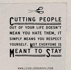 Loslassen von Dingen in unserem Leben ist so verdammt schwer! Obwohl wir oft genug schon unbewusst wissen, dass sie uns nicht gut tun, dass sie uns sogar schaden, dass wir mit ihnen nicht mehr glücklich werden…..lassen wir sie nicht gehen.