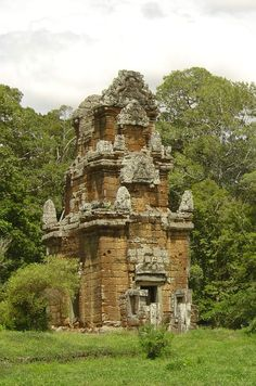 History Of Buddhism, Dark Forest, Angkor Wat, Environment Design, Temples, Old Photos, Mists, Mount Rushmore, Composition