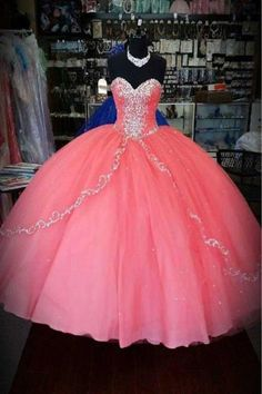 Coral Quinceanera Dresses New Sequined Beaded Tulle Sweetheart Prom Formal Ball Gowns For 15 16 Years.