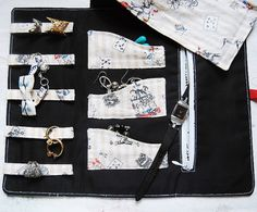 tutorial: DIY jewelry roll or case | Bored & Crafty...for Lilla Rose products?