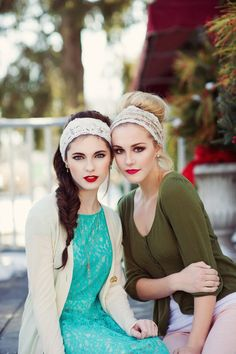 Vintage inspired  lace womans  Headband.. hair band  head wrap