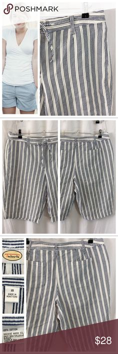 "Talbots Seersucker Bermuda Shorts So versatile and so so comfortable.... Navy and white striped pattern on 100% cotton seersucker fabric. Front button/zip closure, drawstring waist to secure. Side slit pockets and back patch pockets. These are perfect shorts. Fits snug, loosens with wear. Size 16. Please note Measurements when laying flat: 18"" waist, 12"" inseam. Great condition Talbots Shorts Bermudas"