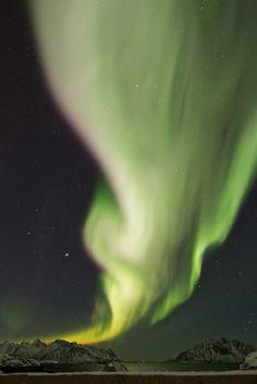 Auroras boreales desde las islas Lofoten, Noruega. 8 de diciembre de 2013 Crédito: Benjamin Knispel