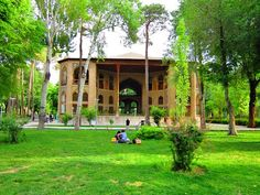 The palace of Hasht Behesht was completed in 1669. It has fine murals and spectacular roofs while retaining a domestic simplicity. It's name and style of construction probably derive from a much older palace built in Tabriz by Ouzun Hassan.