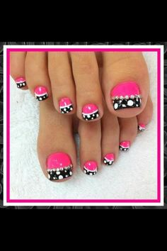 View images nail designs on pedicure toe art and summer Simple Toe Nails, Cute Toe Nails, Toenail Art Designs, Fingernail Designs, Toe Designs, Summer Toenail Designs, French Pedicure Designs, Pedicure Nail Art, Toe Nail Art