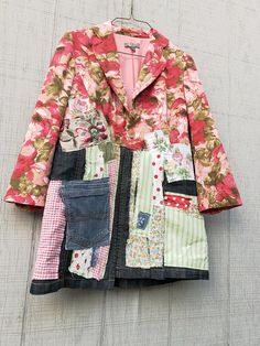 This beautiful Boho Art Jacket is the perfect piece for Winter - you can easily pair it with a white t-shirt and your favorite pair of jeans or leggings! This one is designed to be worn open or button the top buttons. * I can add a pocket to the front just let me know at checkout! SIZE -