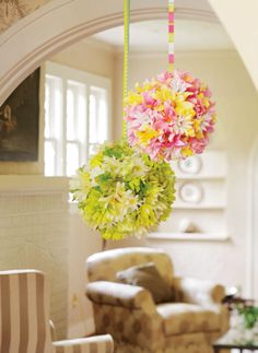 Hanging Flower Balls - beautiful #DIY decor. I wonder if they sell styrophome balls at the dollar store?