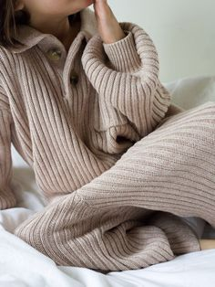 The ultimate comfies for children and babies, ribbed organic cotton knitwear. Certified and sustainable. Available in sizes 6M-6Y. Based in NZ and shipping worldwide. Organic Baby, Organic Cotton, Made Clothing, Comfortable Outfits, Knitwear, Babies, Studio, Children, Sweaters