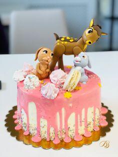 Cofetăria BBcakes Timisoara Dumbravita. Macarons. Bezele. Personaje pasta de zahar Birthday Cake, Desserts, Kids, Food, Character, Tailgate Desserts, Young Children, Deserts, Boys