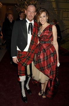 2006:Alexander McQueen flying the tartan flag again with Sarah Jessica Parker, at the Costume Institute Gala in New York Photograph: Richard Young/Rex Features