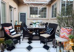 Take advantage of the summer and spend it dining al fresco! Get great tips for setting your table for outdoor entertaining from The Home Depot blog.