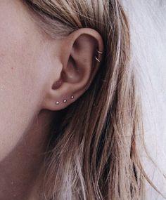 Trending Ear Piercing ideas for women. Ear Piercing Ideas and Piercing Unique Ear. Ear piercings can make you look totally different from the rest. Smiley Piercing, Daith Piercing, Spiderbite Piercings, Ear Peircings, Piercing Tattoo, Ear Piercings Chart, Crystal Earrings, Diamond Earrings, Stud Earrings