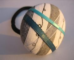 Ribbon Button Ponytail Holder from Gazzu etsy store #etsy #heartsy
