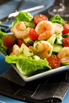 This wonderfully refreshing and tasty avocado shrimp salad boasts cherry tomatoes, fresh herbs, and green onions. The salad is served on a. Sea Food Salad Recipes, Shrimp Salad Recipes, Seafood Salad, Seafood Recipes, Healthy Recipes, Shrimp Avocado Salad, Avocado Salads, Lime Recipes, Creole Recipes