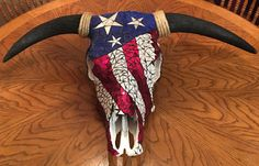 Handcrafted Mosaic Cow Skull Materials used: Authentic real cow skull Hand cut stained glass Mirror Paint Grout Glue Hanging Hardware included Deer Skull Art, Cow Skull Decor, Deer Decor, Skull Hand, Skull Crafts, Antler Crafts, Antler Art, Cbx 250, Mosaic Glass