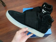 bf190c936573 Purchase Black Noir Vintage White blanc Adidas Tubular Invader Strap 750  Youth Big Boys Sneakers Adidas