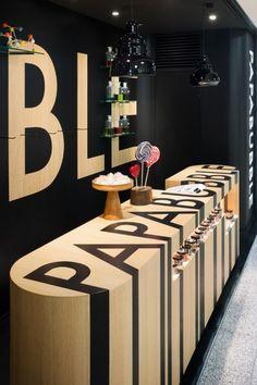 Замечательный дизайн маленького магазина в метро