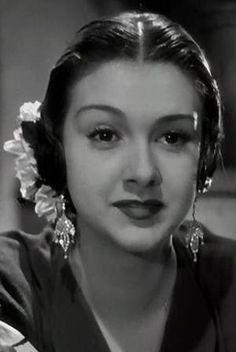 Amparo Rivelles-2. Actrices Hollywood, Old School, Divas, Death, Women's Fashion, Actors, Mexican Actress, Surrealism, Parents
