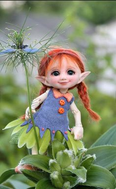 Fairy and world Clay Fairies, Elves And Fairies, Beautiful Fairies, Beautiful Dolls, Illustration Noel, Elf Doll, Fairy Figurines, Baby Fairy, Polymer Clay Dolls