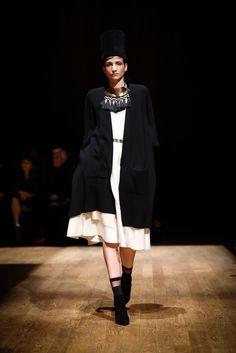 Josie Natori Fall 2015 Ready-to-Wear Fashion Show