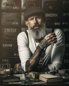 Growing Out Medium Length Hairstyle For Men Suits And Tattoos, Tattoos 3d, Hand Tattoos, Mode Rockabilly, Beard Haircut, Environmental Portraits, Art Of Manliness, Men With Grey Hair, Boy Poses