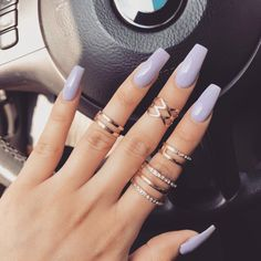 The advantage of the gel is that it allows you to enjoy your French manicure for a long time. There are four different ways to make a French manicure on gel nails. Aycrlic Nails, Cute Nails, Pretty Nails, Hair And Nails, Polish Nails, Nail Polishes, Coffin Nails, Acrylic Nails Natural, Best Acrylic Nails