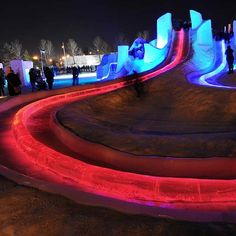 The giant ice slide at the Ice On Whyte Festival in Edmonton, Alberta, Canada on Jan. Photo by John Lucas/Edmonton Journal Canadian Facts, Amusement Park Rides, Bungee Jumping, Alberta Canada, Plan Your Trip, Historical Sites, Swimming Pools, Places To Go, Ice