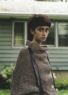 A neat bowl cut is a great choice for looking edgy but still sophisticated. #bowlcut #shorthair #womenshair